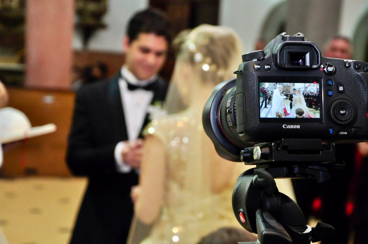 услуги профессиональных фотографов в назрани объектив фотокамер попалась