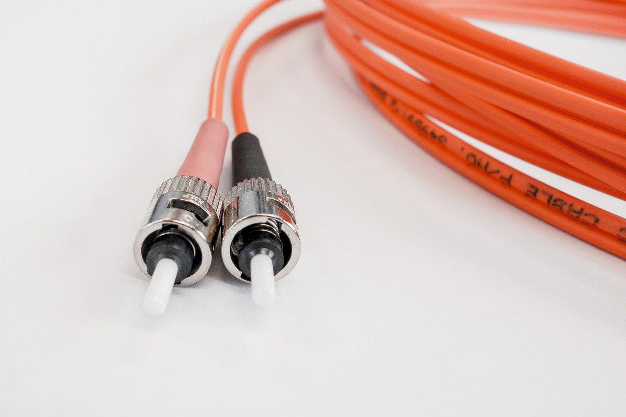 כבלים אופטיים